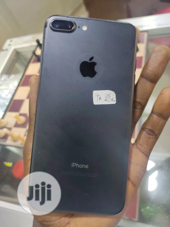 Archive: Apple iPhone 7 Plus 256 GB Black