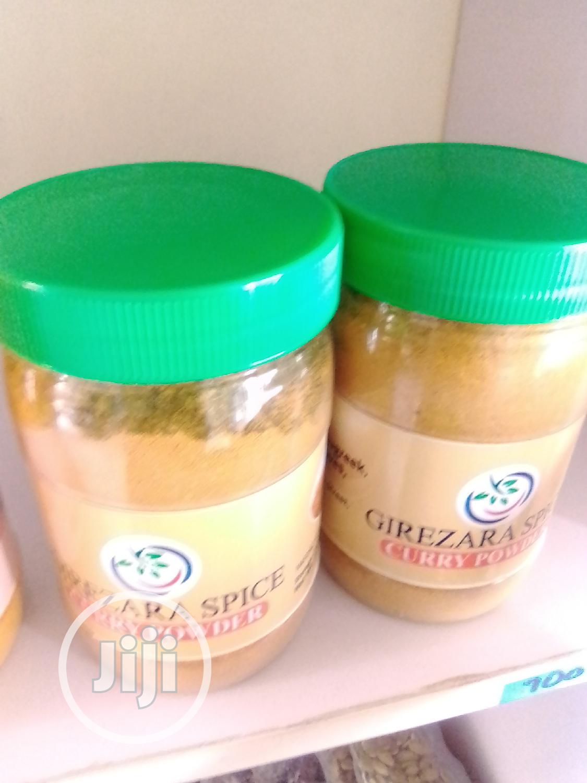 Garlic Powder And Curry Powder