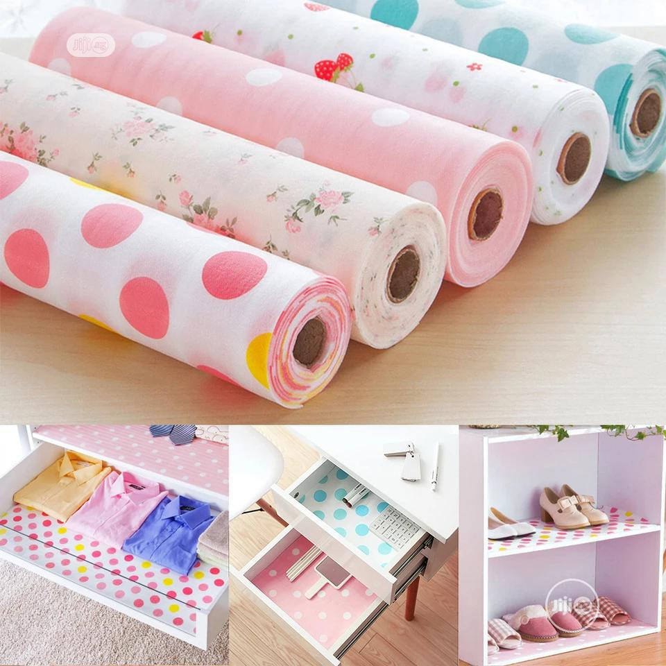 Wardrobe Liners Cushion Sheets (30cm By 500cm)