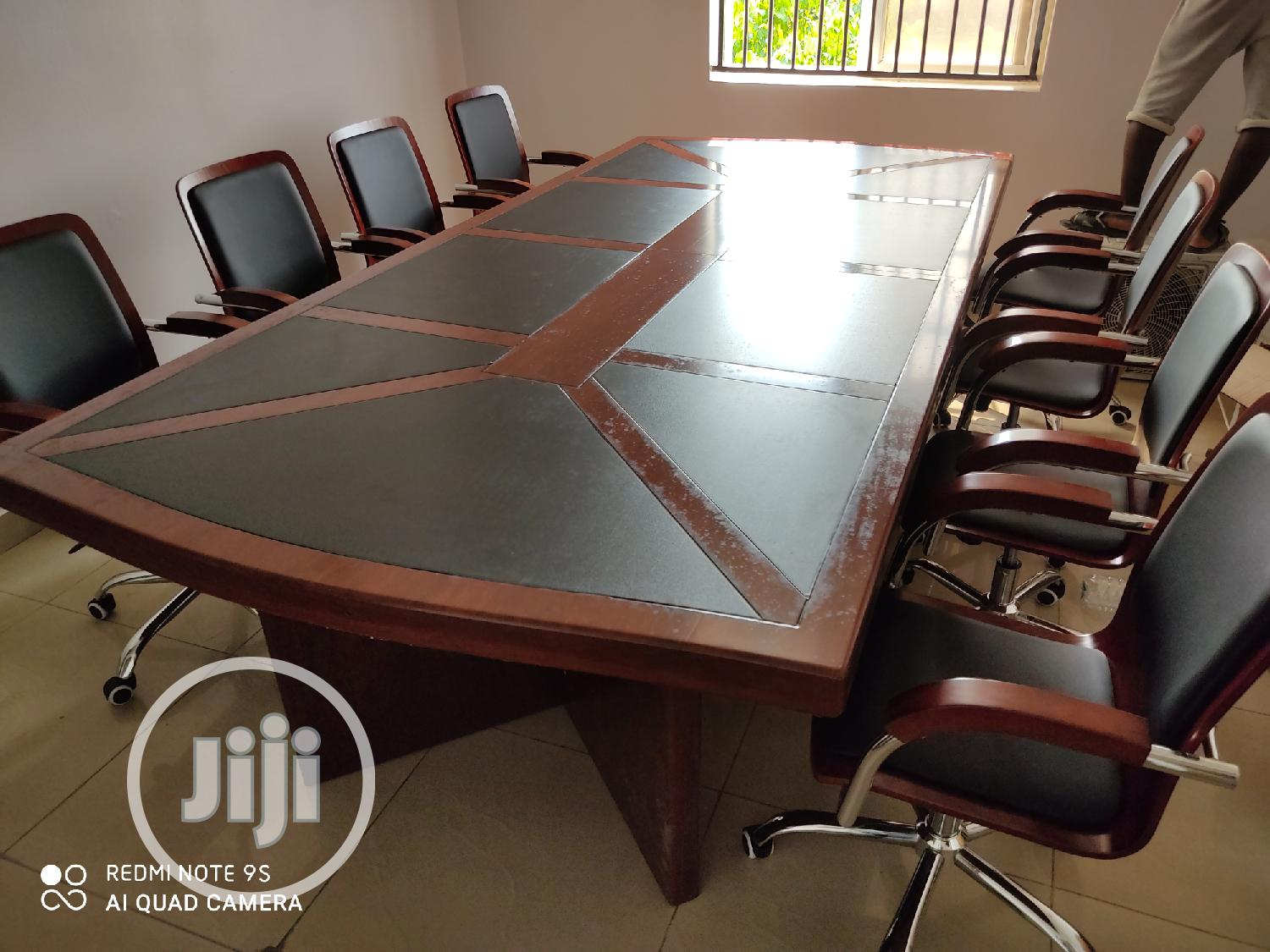 Executive Standard Conference Table With 8 Seaters Chair