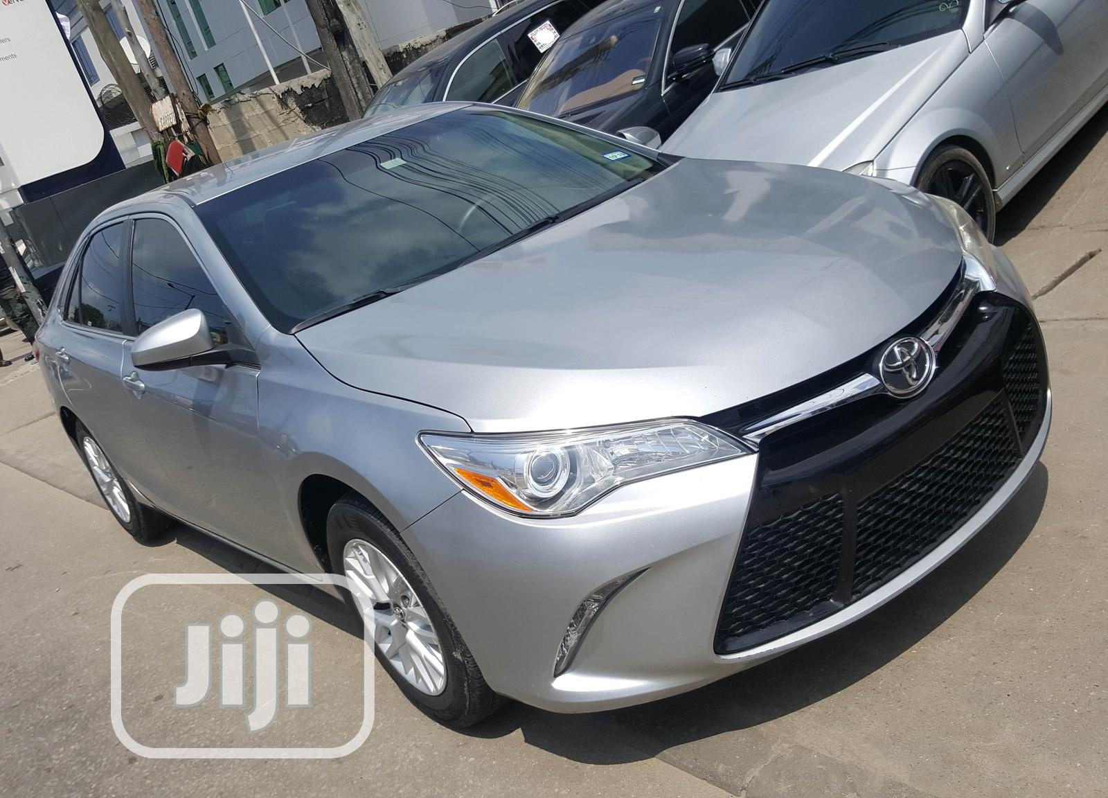 Toyota Camry 2017 Silver