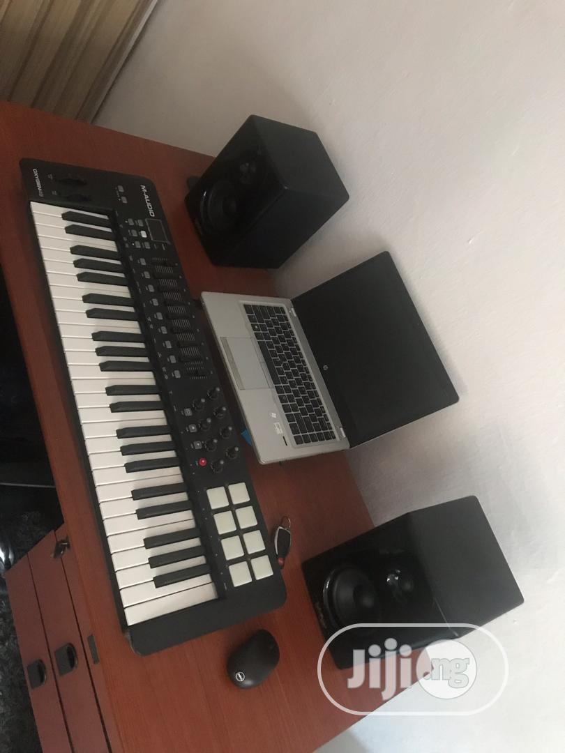 Keyboard And Speaker | Musical Instruments & Gear for sale in Lekki, Lagos State, Nigeria