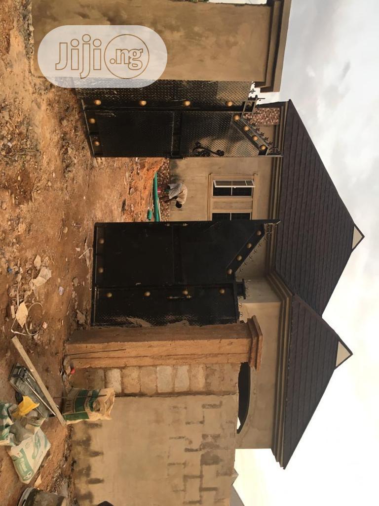 4bedroom Flat Ologuneru Estate Self-compound(Alhaji Fruit) | Houses & Apartments For Sale for sale in Ibadan, Oyo State, Nigeria