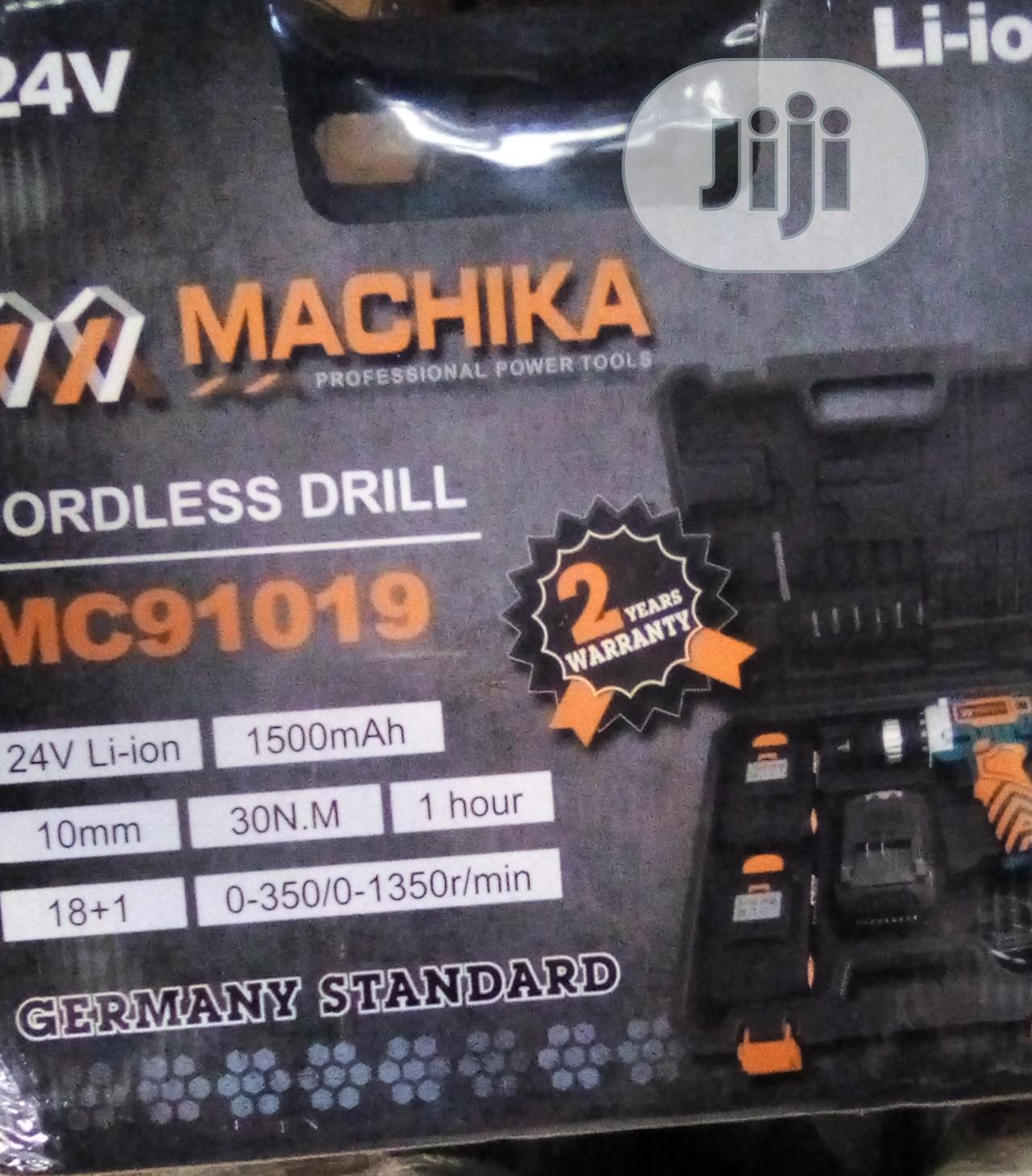 24 V Machika Screw Machine