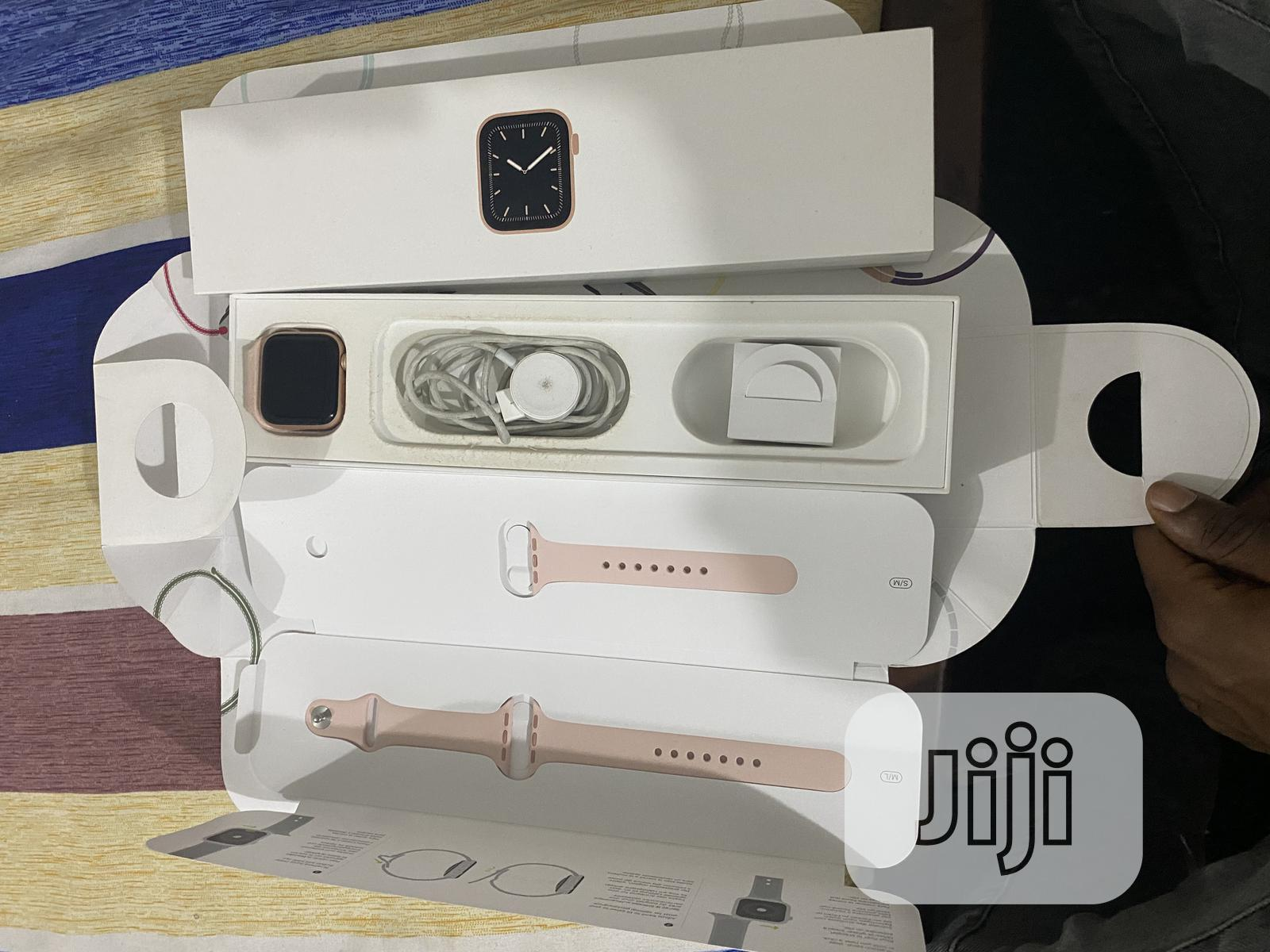Archive: Open Box I Watch Series 5 40mm Gps+Cellular