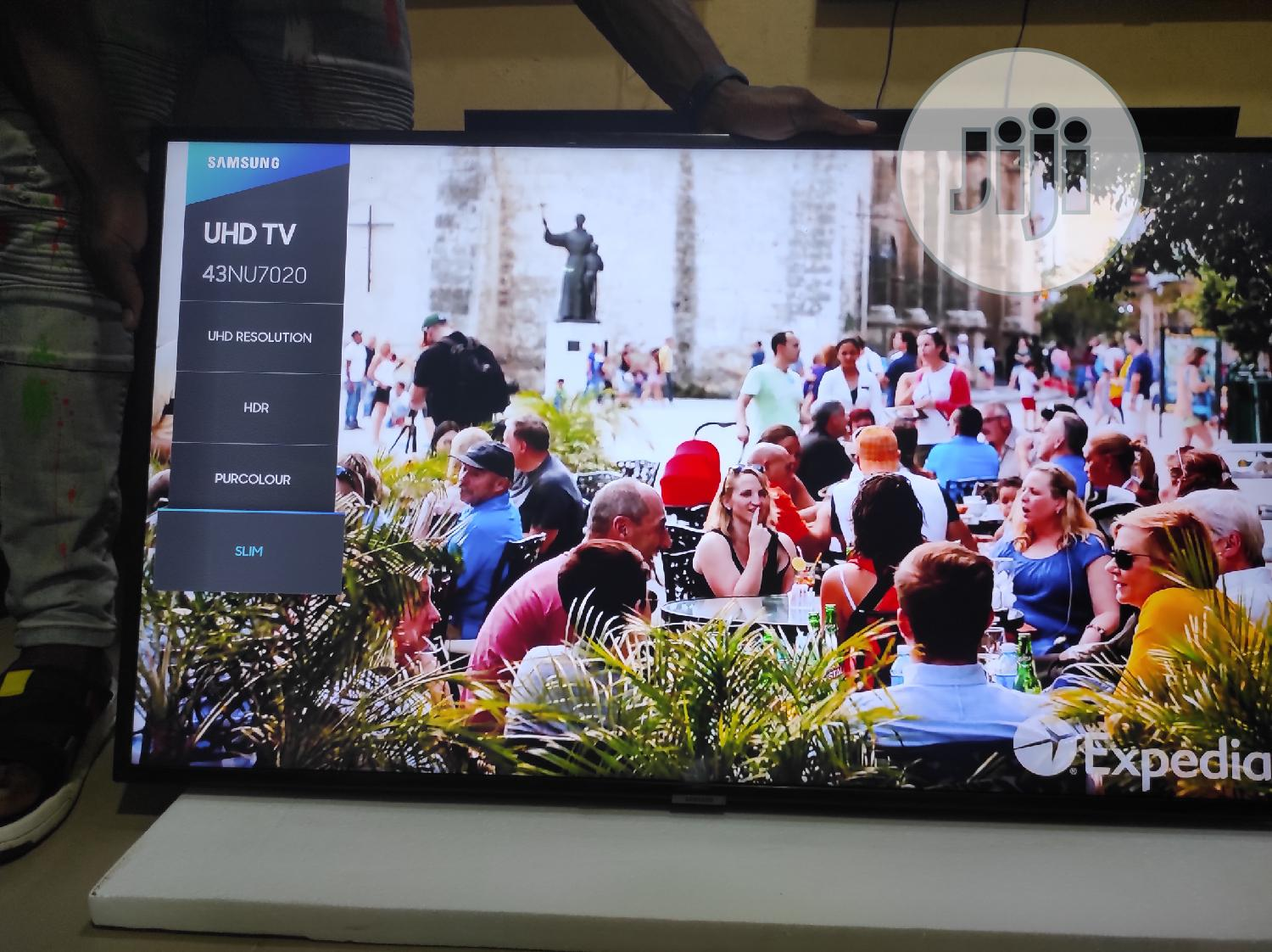 "Samsung 43"" 4k UHD 2018/19 Airplay Free Netflix Account 