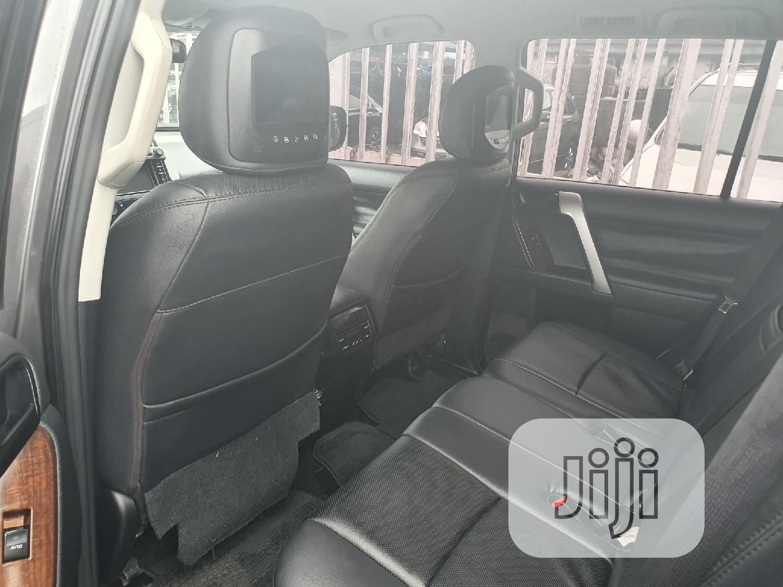 Archive: Toyota Land Cruiser Prado 2015 Gray