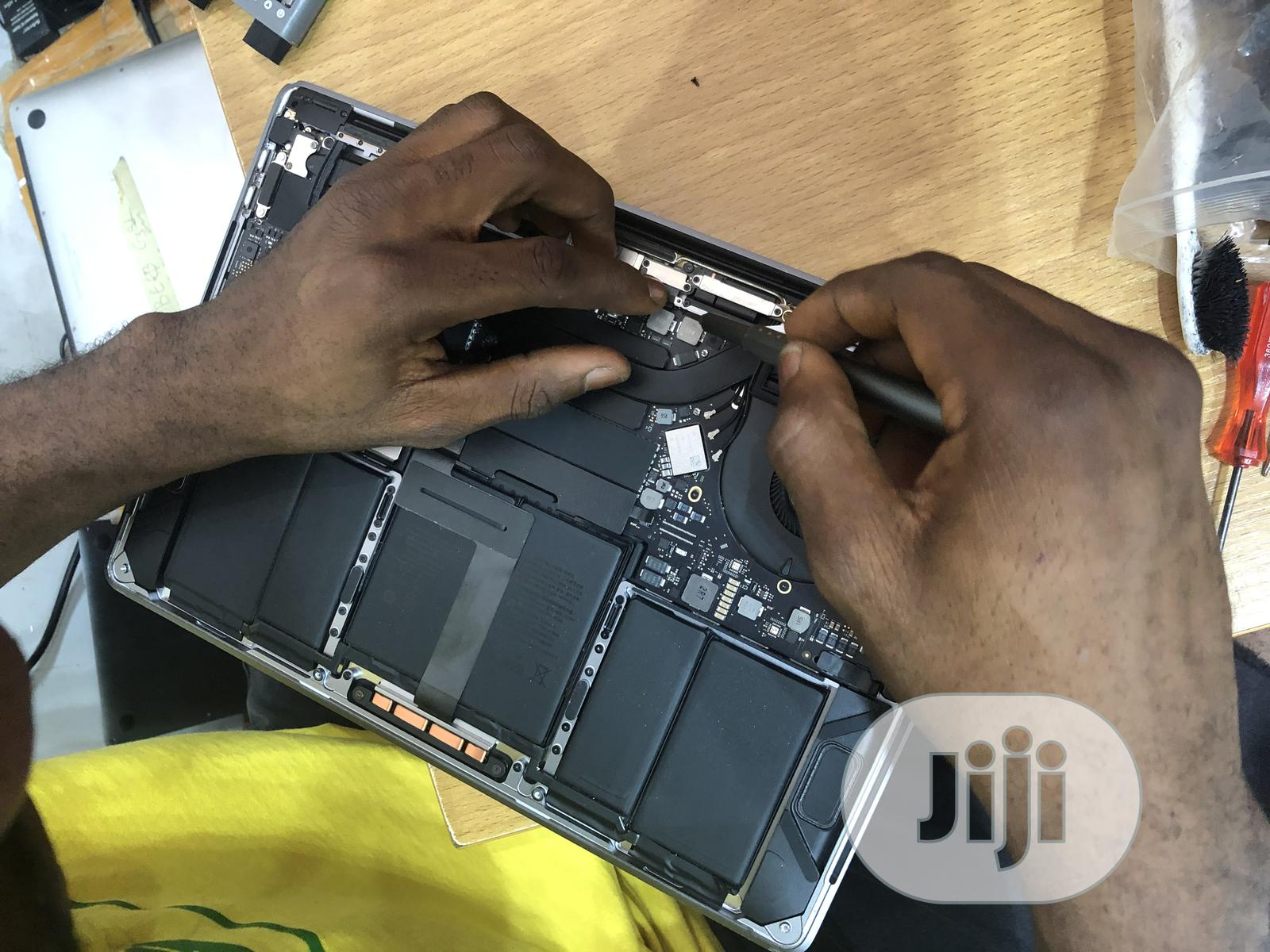 Archive: Macbook Repairs