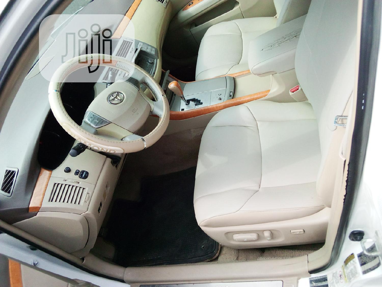 Archive: Toyota Avalon 2005 White