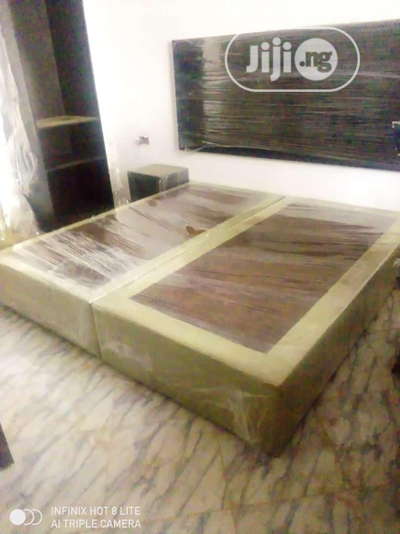 6x6 Bedroom Bedframe(Parded Floor +Separate Headboard)