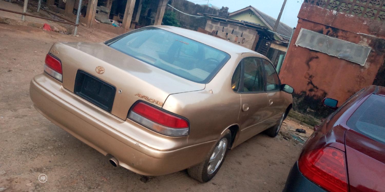 Toyota Avalon 1999 XL Gold | Cars for sale in Sagamu, Ogun State, Nigeria