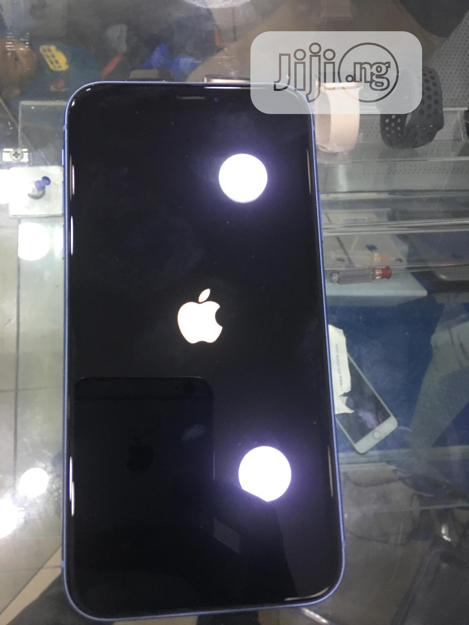 Apple iPhone XR 64 GB Blue | Mobile Phones for sale in Victoria Island, Lagos State, Nigeria