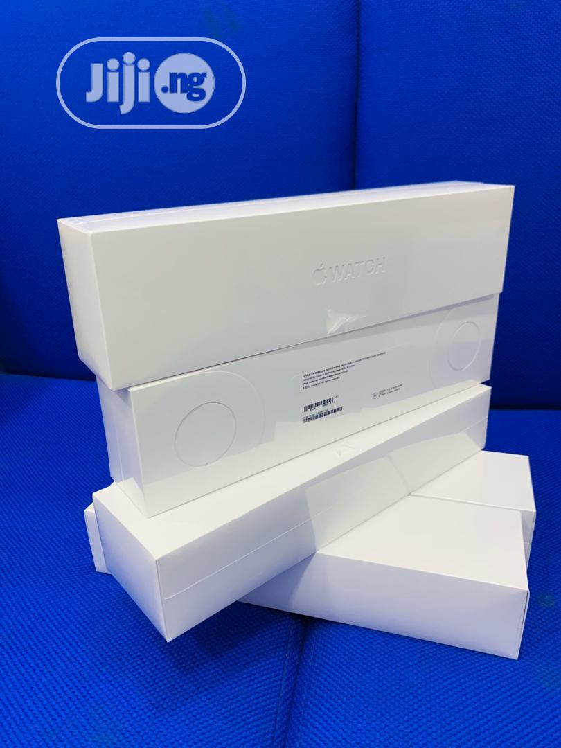 Apple Iwatch Series 5 44mm GPS Only