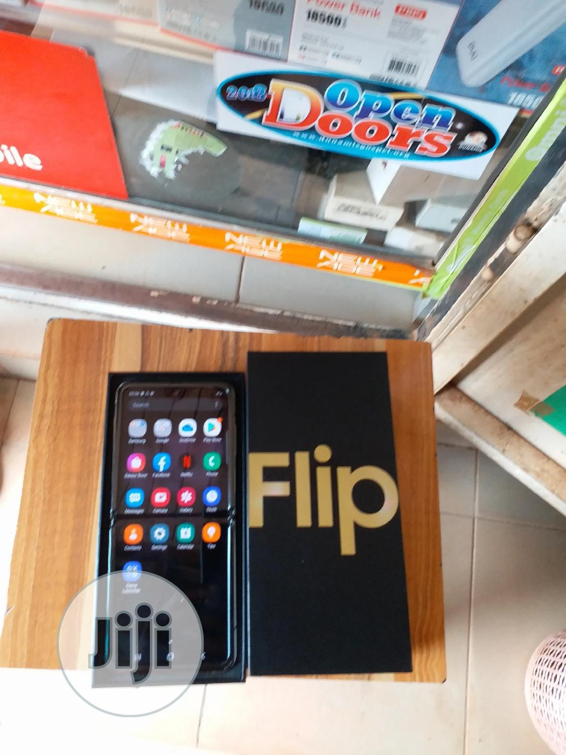 Samsung Galaxy Z Flip 256 GB Gold | Mobile Phones for sale in Wuse 2, Abuja (FCT) State, Nigeria