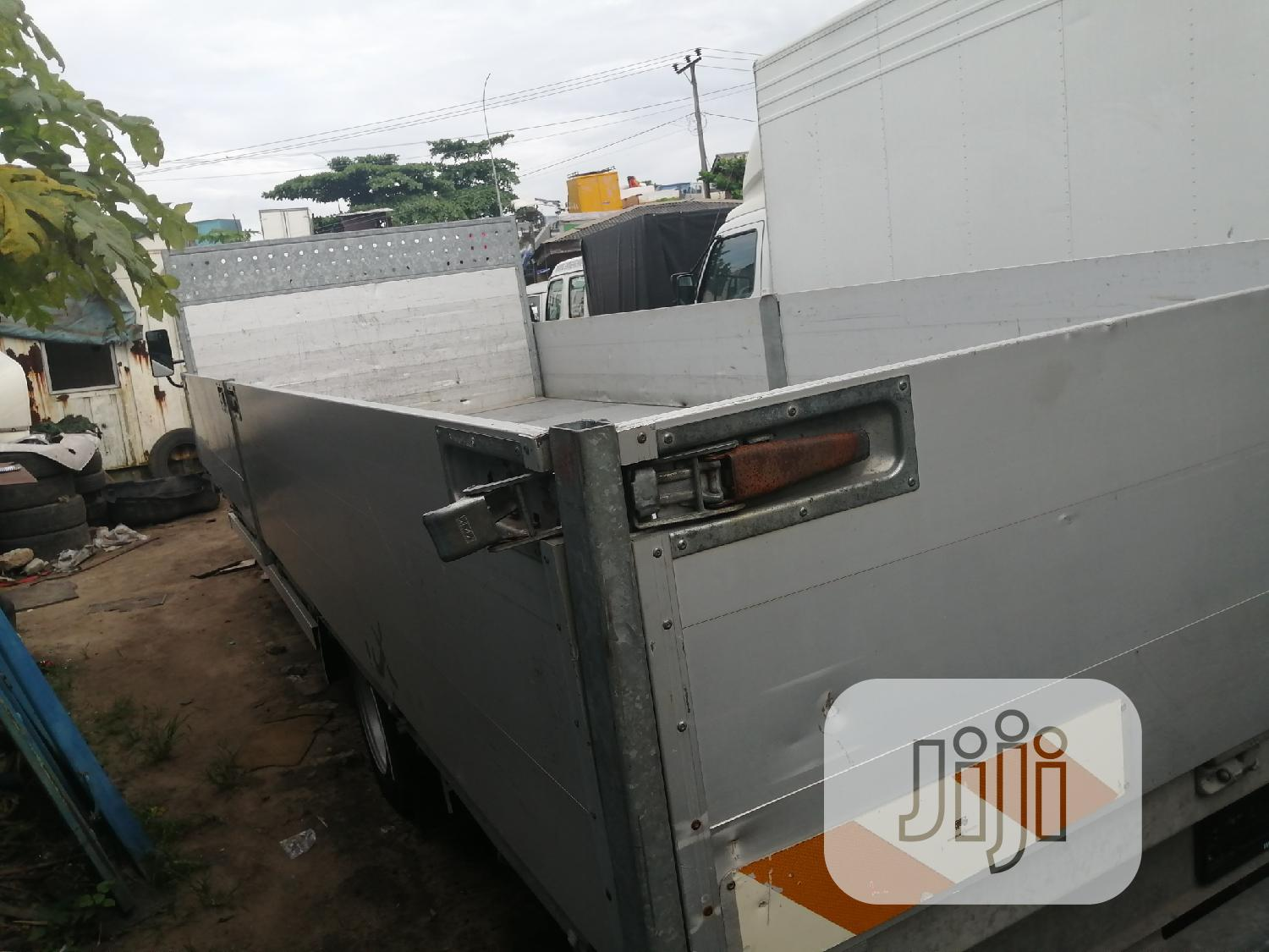 Mitsubishi Fuso White 2006 | Trucks & Trailers for sale in Apapa, Lagos State, Nigeria