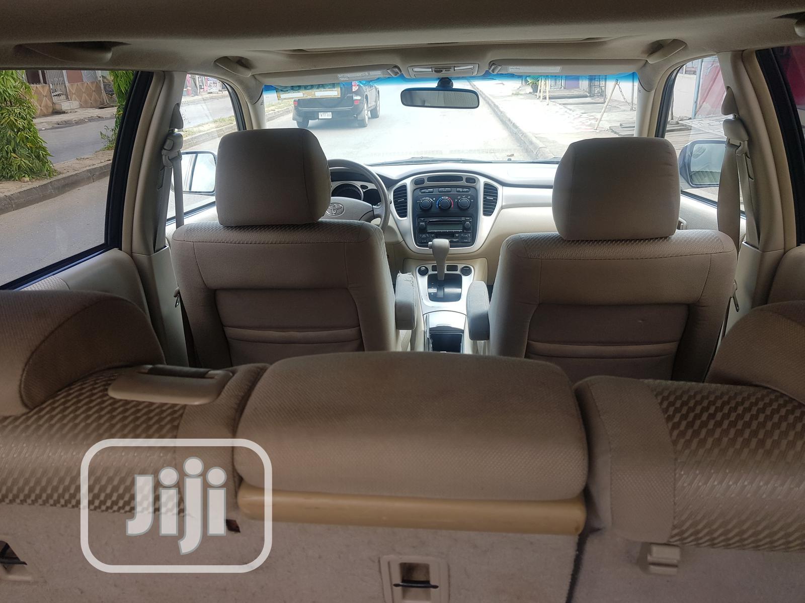 Toyota Highlander 2006 Hybrid 4x4 Blue | Cars for sale in Magodo, Lagos State, Nigeria
