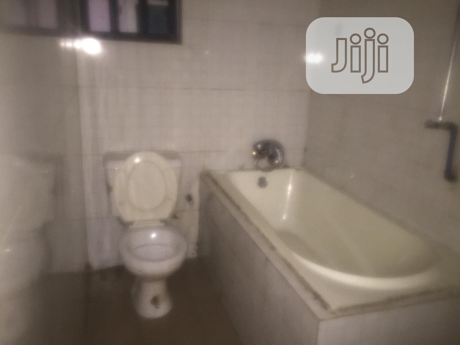 2 Bedroom Flat For Rent | Houses & Apartments For Rent for sale in Port-Harcourt, Rivers State, Nigeria