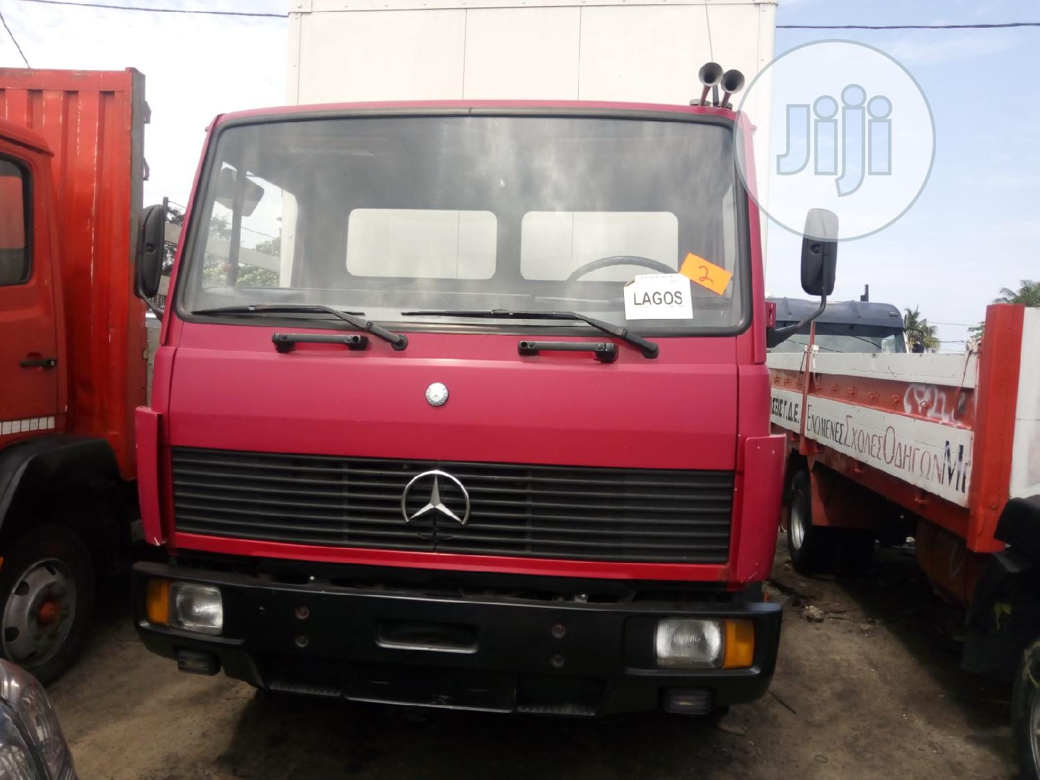 Mercedes-benz 814 2005 Red | Trucks & Trailers for sale in Apapa, Lagos State, Nigeria