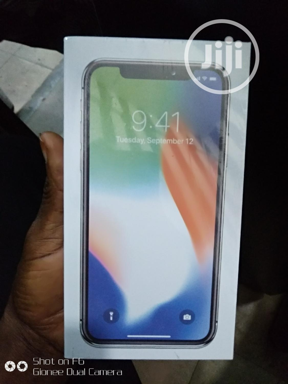 New Apple iPhone X 64 GB Silver   Mobile Phones for sale in Ikeja, Lagos State, Nigeria