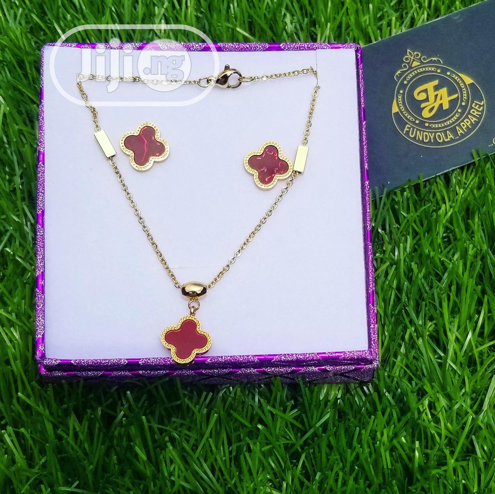 Clove VCA Earring and Pendant Necklace