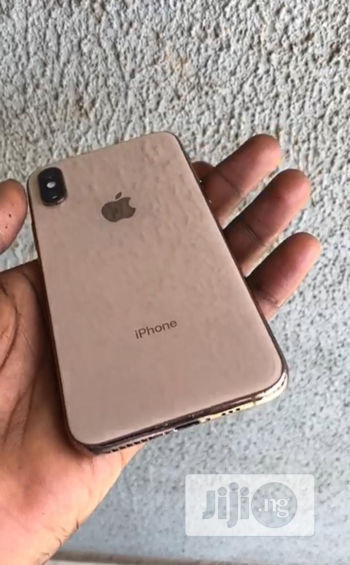 Archive: Apple iPhone XS 256 GB Gold