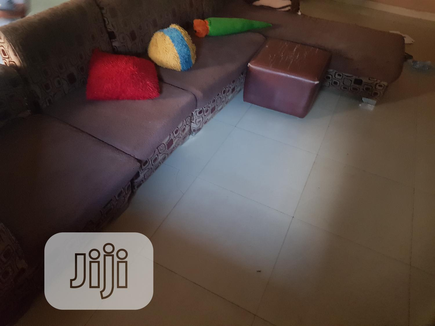L Shape Exquisite 6 Seater Fabric Foreign Sofa Chair Set   Furniture for sale in Isolo, Lagos State, Nigeria
