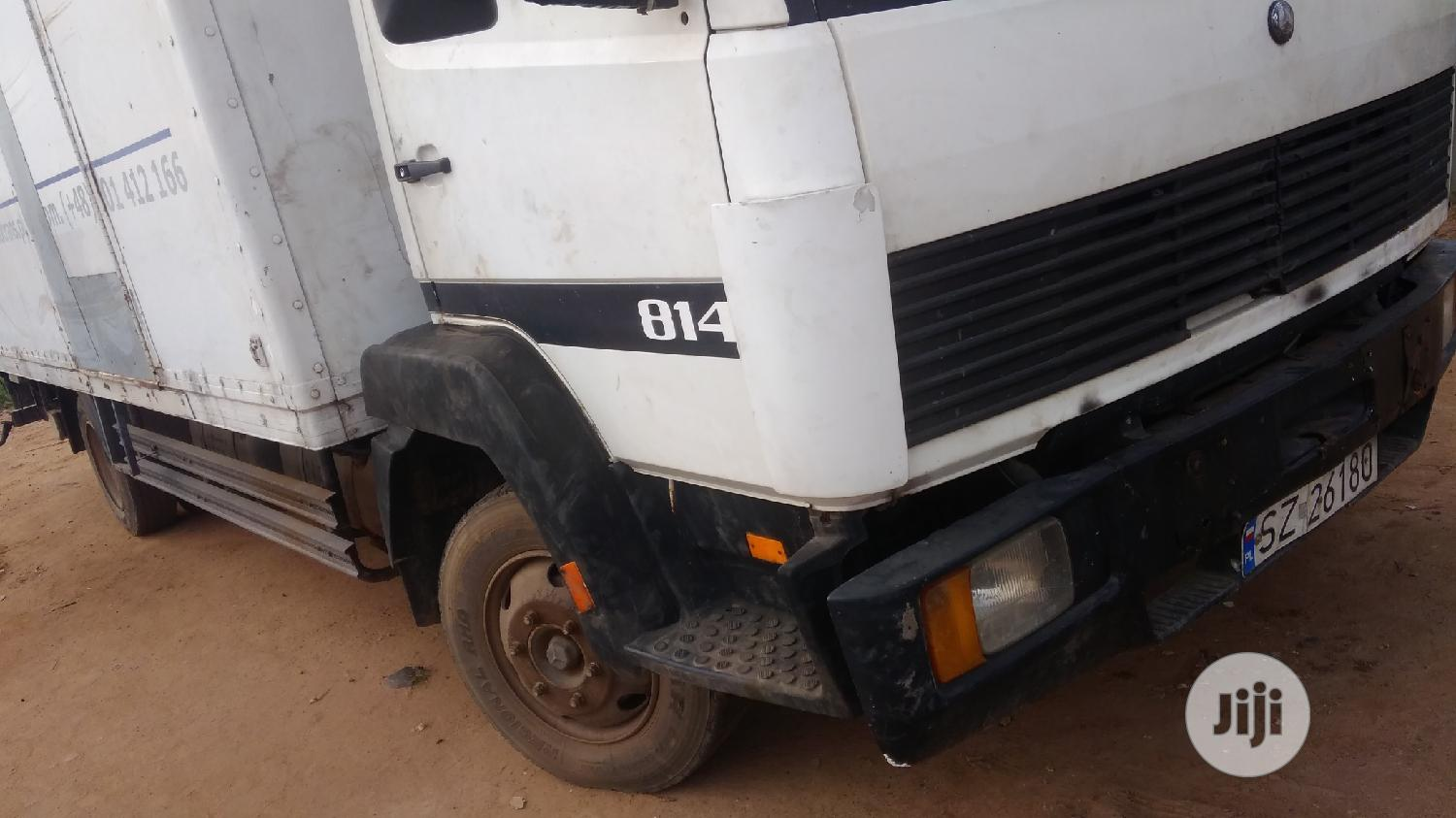 Mercedes Benz 814 2000 White Tokunbo   Trucks & Trailers for sale in Abule Egba, Lagos State, Nigeria