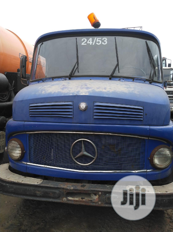 Archive: Mercedes Benz