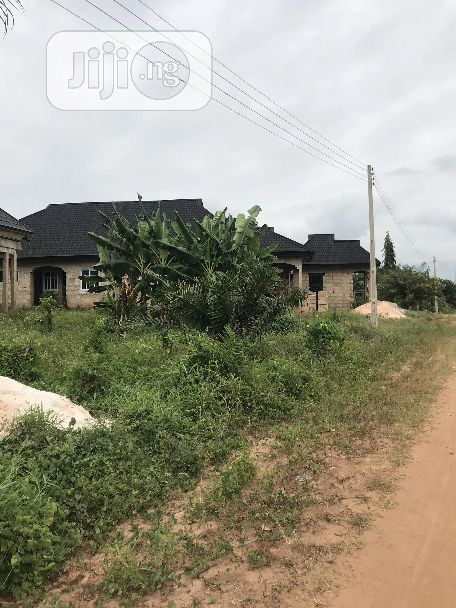 Genuine Plot Of Land Measuring 100x100ft For Urgent Sale | Land & Plots For Sale for sale in Benin City, Edo State, Nigeria