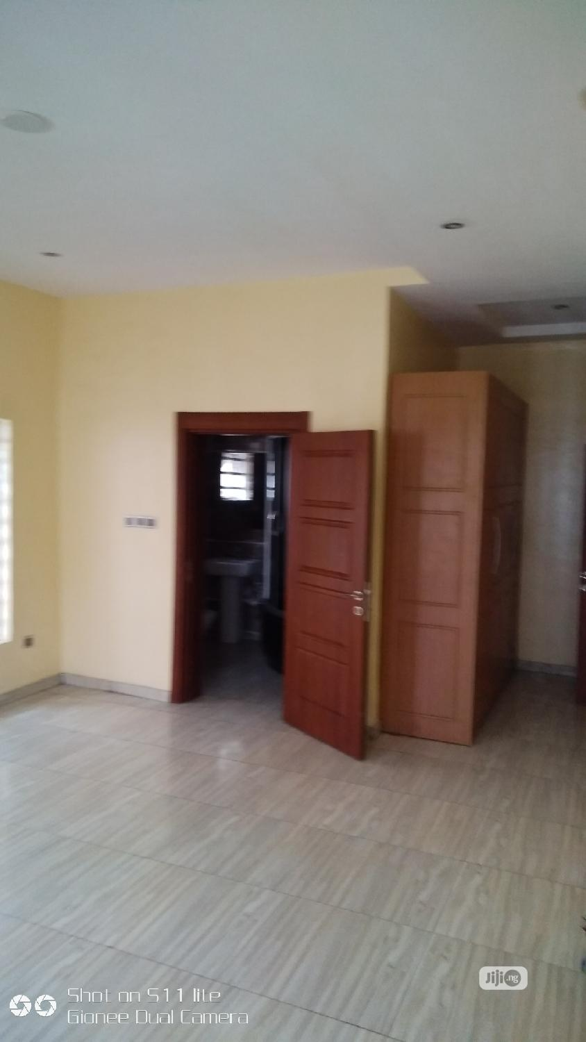 Vibrant 5 Bedrooms Detached Duplex With BQ | Houses & Apartments For Sale for sale in Lekki Phase 1, Lekki, Nigeria
