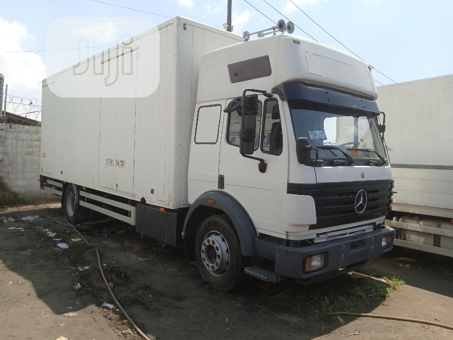 Archive: Mercedes Benz 1824 Container Body Truck