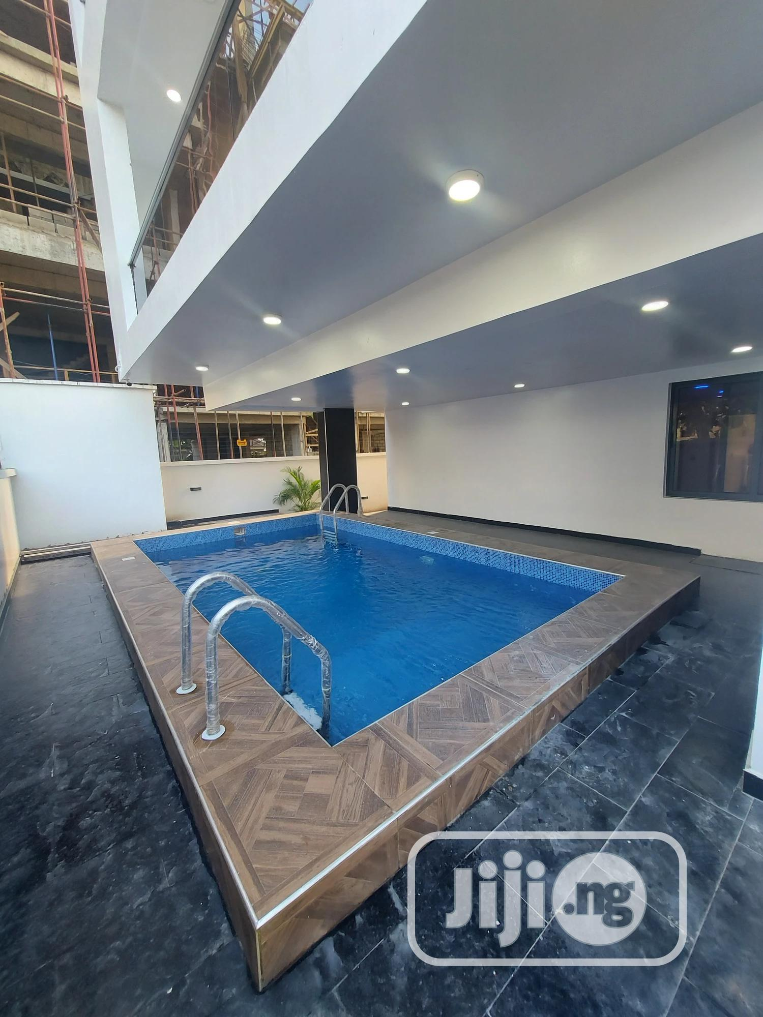 Archive: Magnificent 6 Bedroom Duplex With 2 Bqs And Swimming Pool