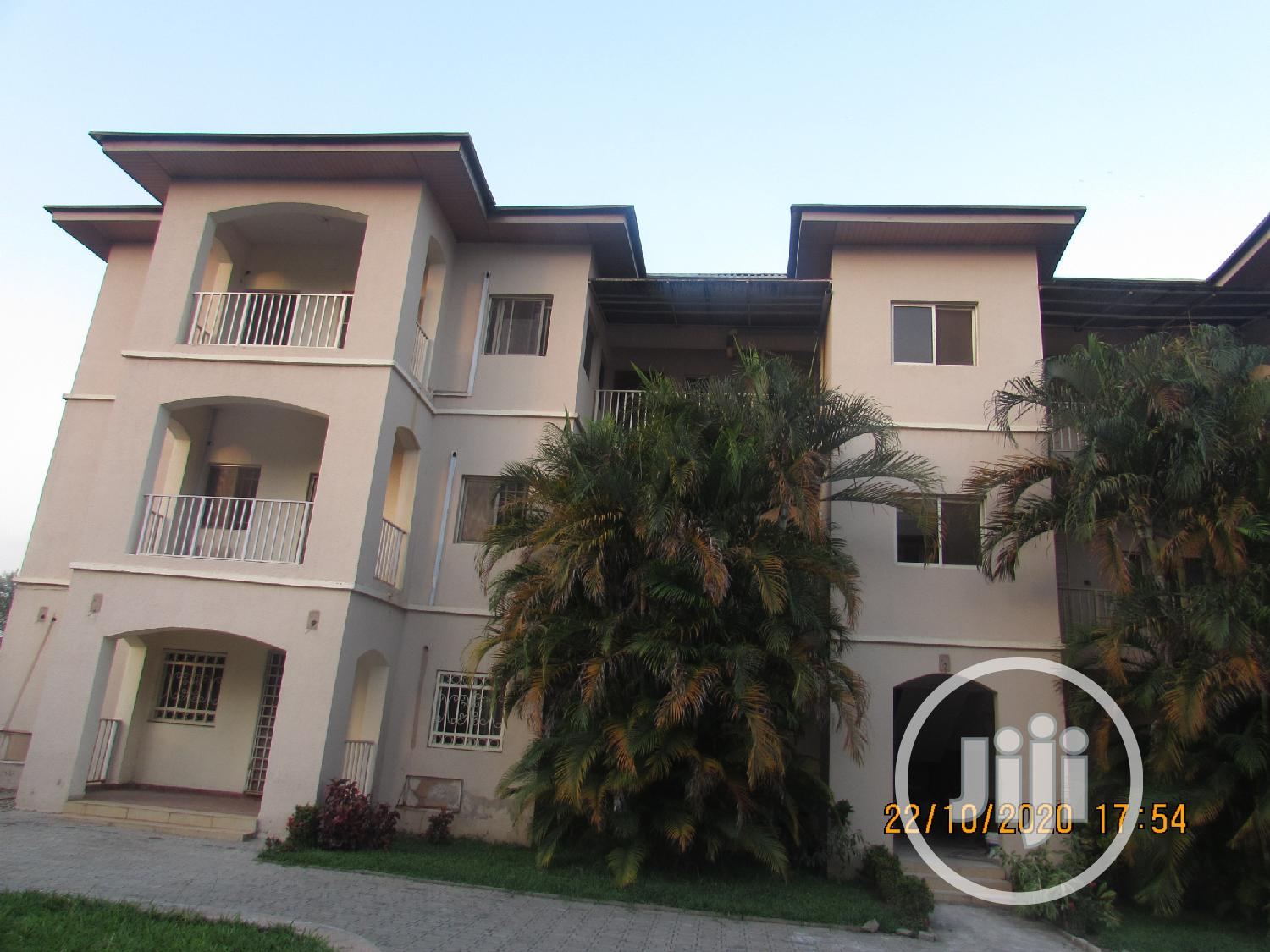 Archive: 6 Units 3 Bedroom Classic Apartment To Let