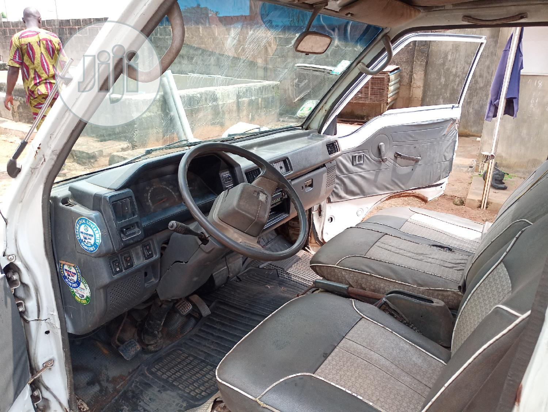 Archive: Mitsubishi L300