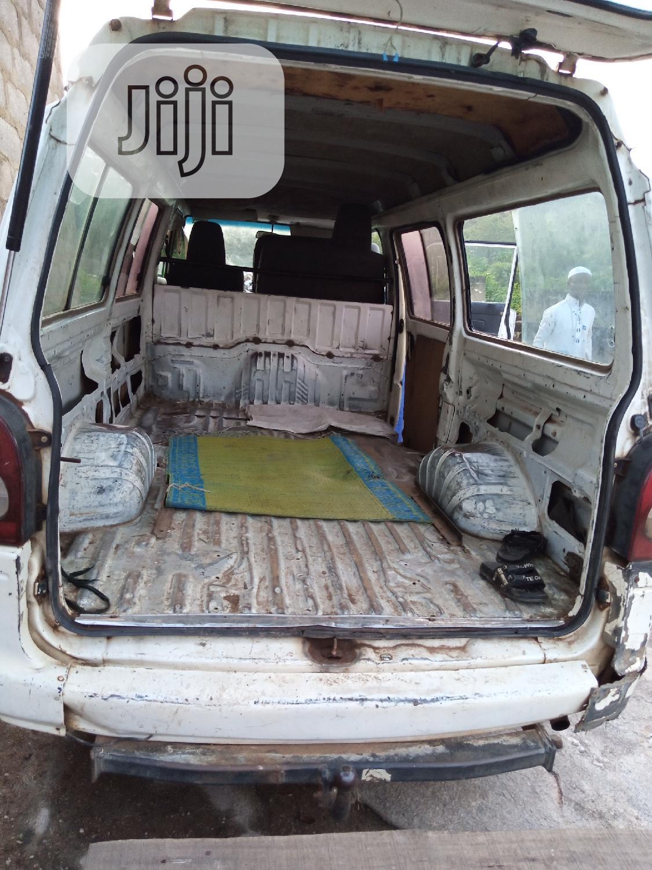 Archive: Hyundai H1 2000