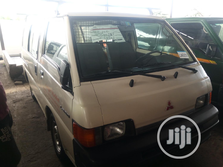 Mitsubishi L300 2003 White