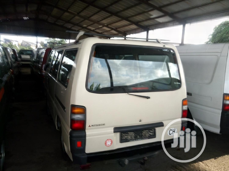 Mitsubishi L300 2003 White | Buses & Microbuses for sale in Apapa, Lagos State, Nigeria