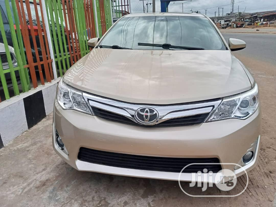 Toyota Camry 2012 Gold