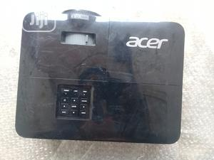 Acer Projector With HDMI   TV & DVD Equipment for sale in Lagos State, Lekki