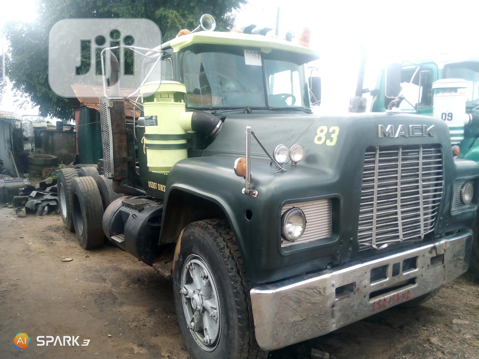 Mack Tractor Head 2009 Dark Green | Heavy Equipment for sale in Aba South, Abia State, Nigeria