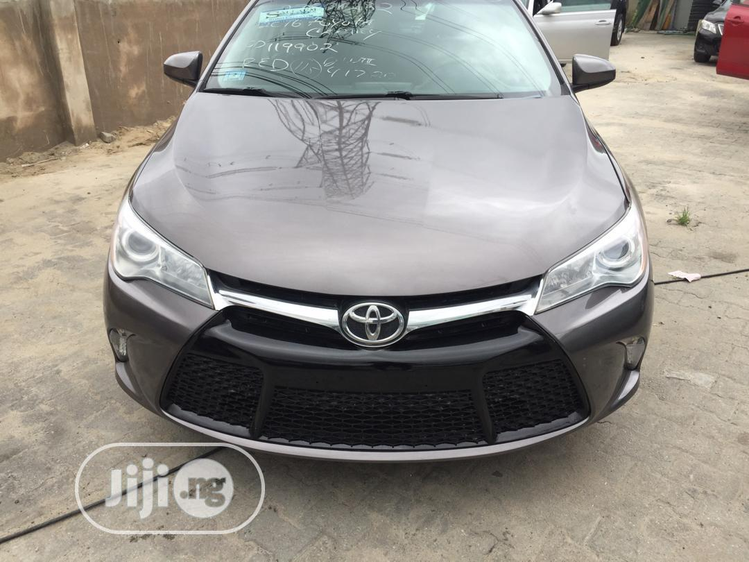 Toyota Camry 2016 Brown