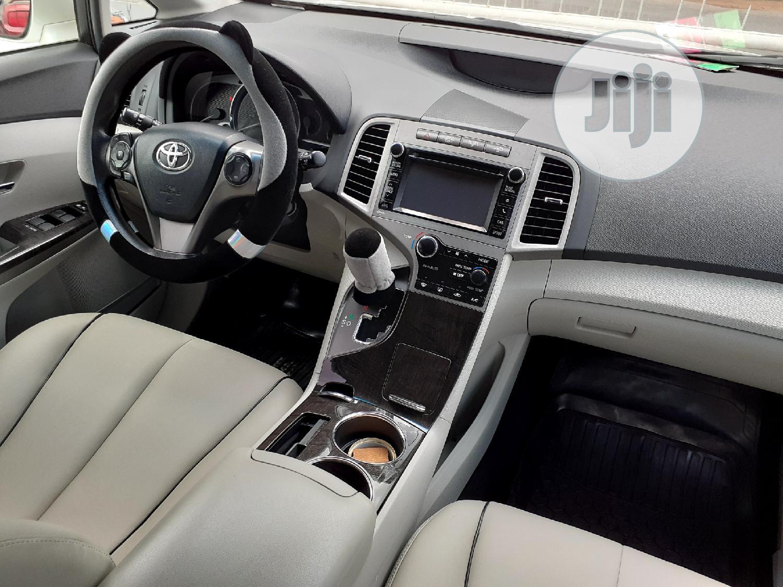 Archive: Toyota Venza 2013 LE AWD V6 White
