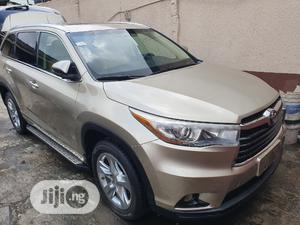Toyota Highlander 2015 Gold | Cars for sale in Lagos State, Surulere
