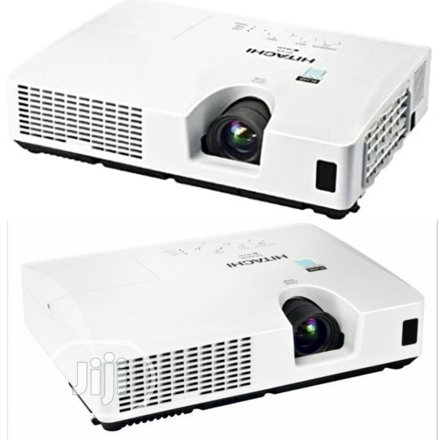 Verys Sharp And Bright Hitachi Projector For Sale