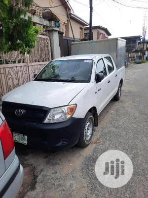 Toyota Hilux 2009 2.5 D-4D SRX White   Cars for sale in Lagos State, Surulere