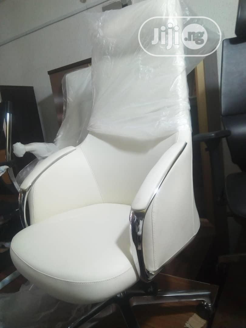 Archive: White Executive Office Chair