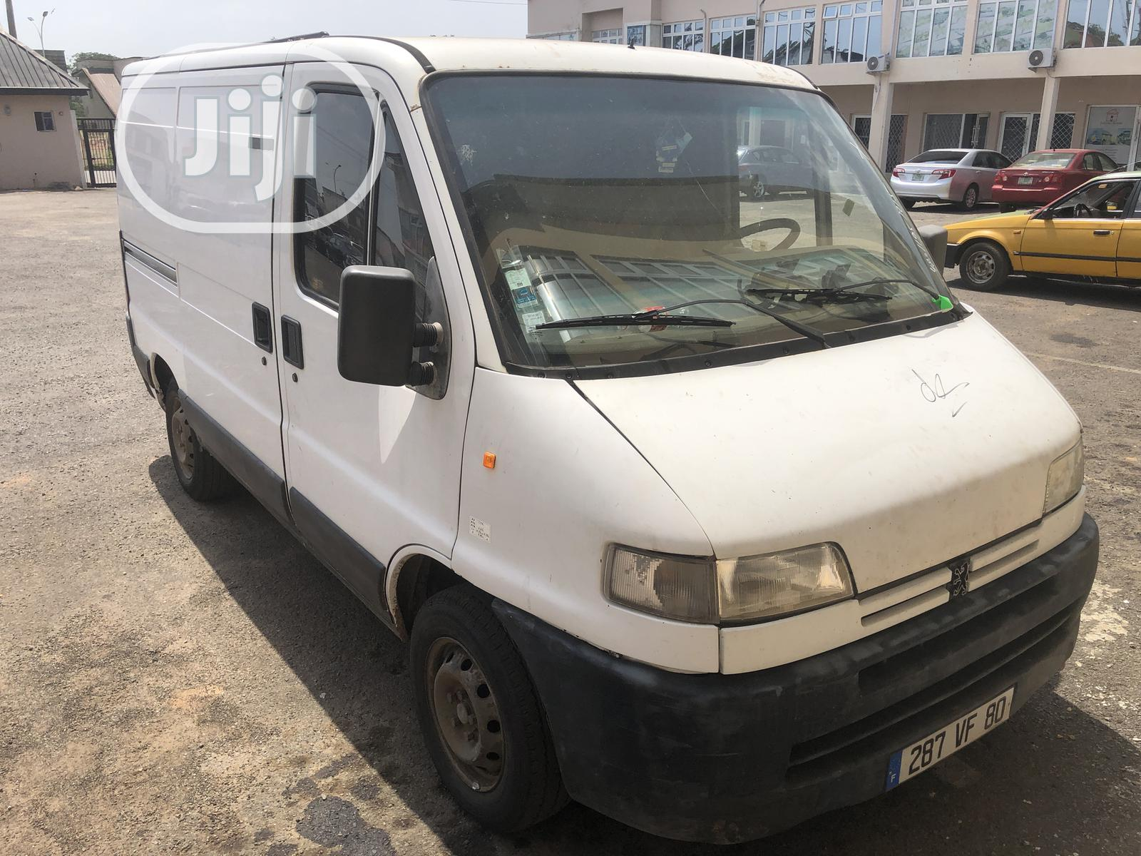 Tokunbo Peugeot Boxer With DIESEL Engine And Custom Paper | Buses & Microbuses for sale in Mushin, Lagos State, Nigeria