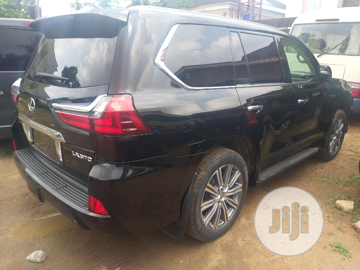 Archive: Lexus LX 2017 570 Base Black