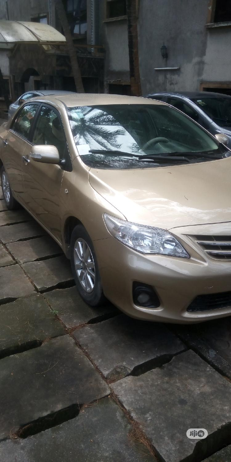 Archive: Toyota Corolla 2011 Gold