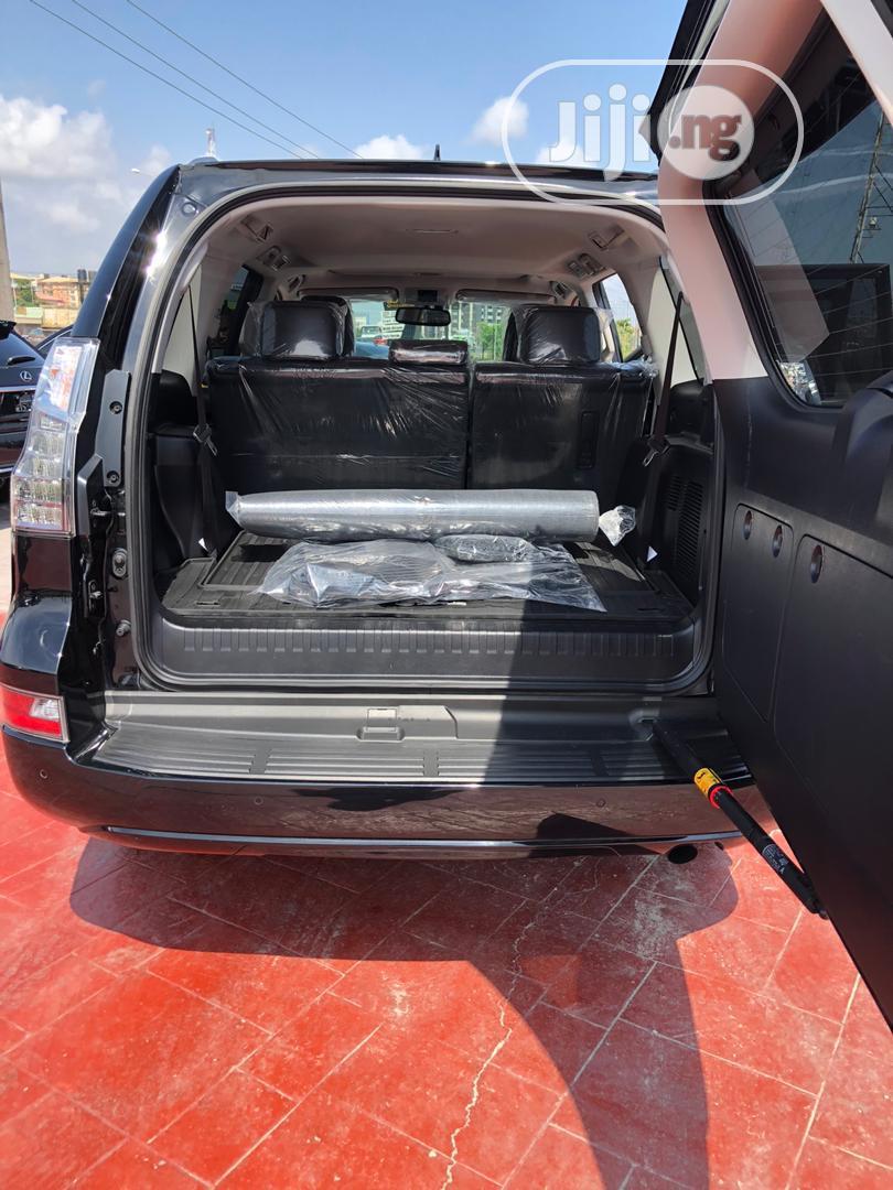 Archive: Lexus GX 2018 460 Base Black